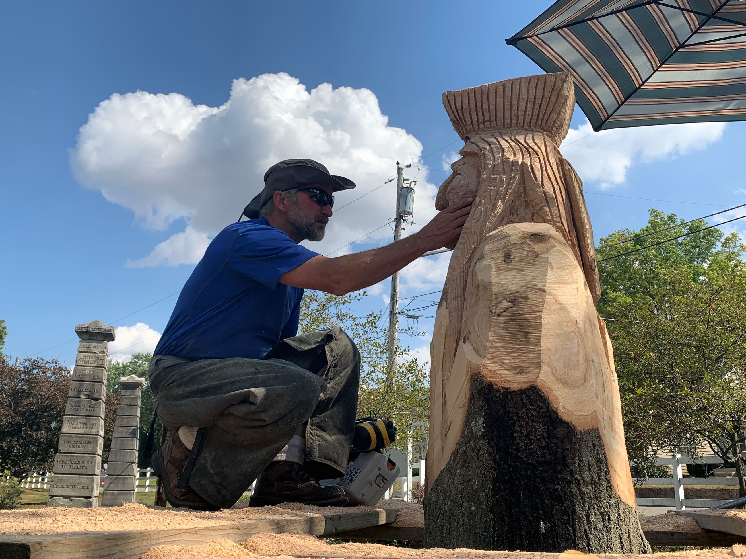 Ohio artist Matt Missey carves sculpture of Tecumseh in Shawnee Park